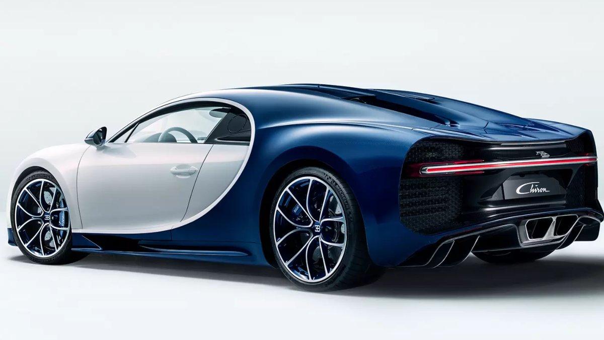 Bugatti Chiron Rear Side View - Ceramic Brakes